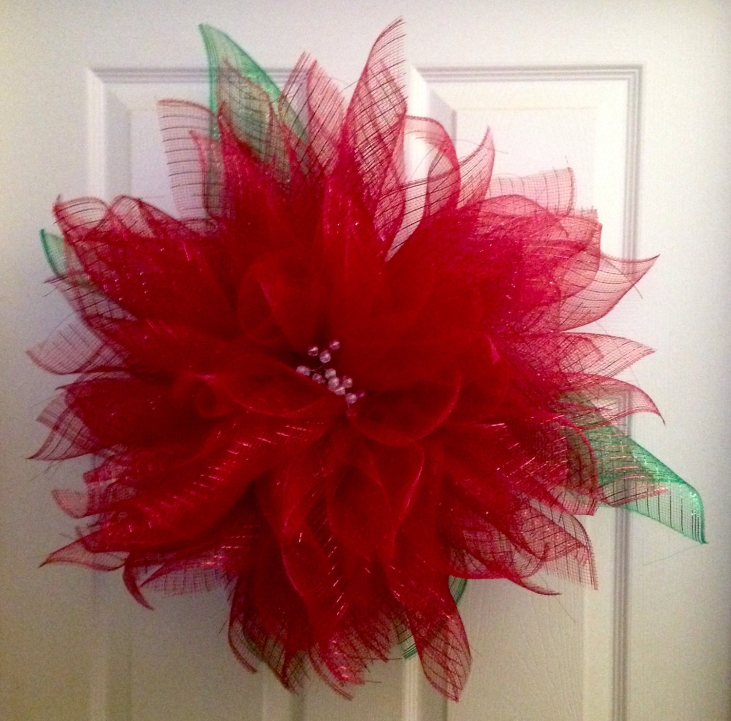 how to make a flower wreath with mesh