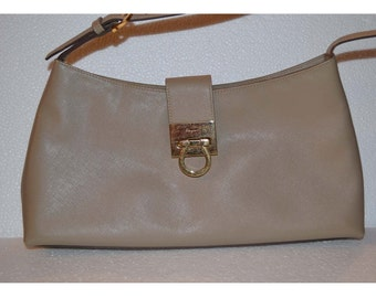 SALVATORE FERRAGAMO handbag/ beige leather handbag/an.609