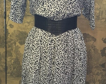 Black-and-white printed 1980s dress size 10 to 14