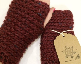Chunky knit-look crochet fingerless gloves in wine tweed colour