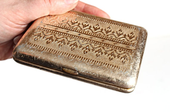 Vintage metal cigarette case holder by newlifeforeverything