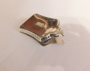 Absolutely Beautiful Sterling Silver Compact