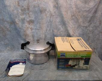 Mirro Pressure Canner Aluminum Pressure Cooker Kitchen Preparer Steamer Vintage