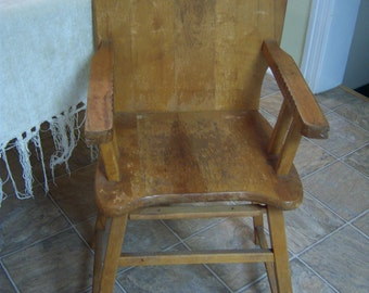Vintage baby high chair/Pine high chair with dog decal/Nursery decor/Photo prop/Theater prop