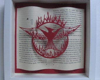 Catching Fire (Hunger Games) Suzanne Collins framed papercutting. Fan art. Book lovers gift.