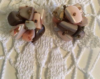 Vintage Trifari Clip-on Earrings with Peach and Tan Stones