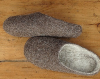 Natural wool felted men slippers. Eco home shoes