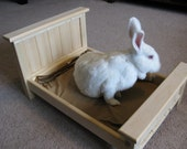Bunny Rabbit / Small Pet Bed