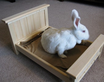 Bunny Rabbit / Small Pet Bed