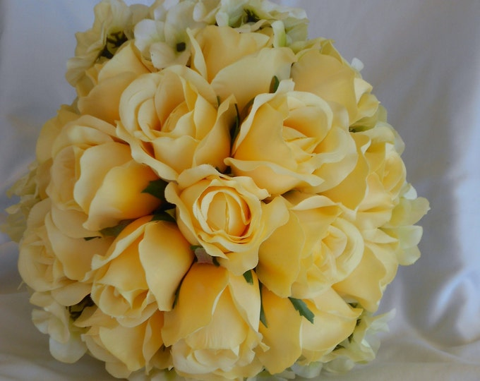 Yellow bridal bouquet made of rose and hydrangeas 2 pices