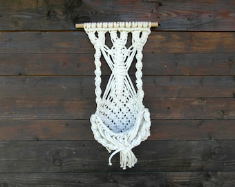 Vintage macrame wall hanging Macrame Plant Hanger Macrame wall art Rope Plant Flower Holder Decorative Macrame Wall Hanging with Pocket