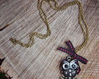 Black Owl Necklace ~1 pieces #100412