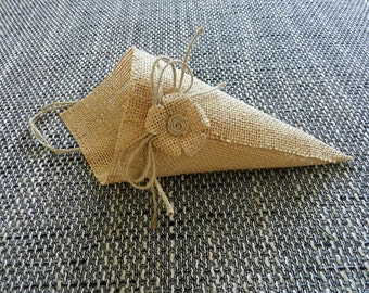 Burlap basket, Burlap cone, Burlap pew, Rustic Pew Cones, Burlap Pew Cones, Burlap Church Decor, Rustic Wedding Decor. Set of 6.