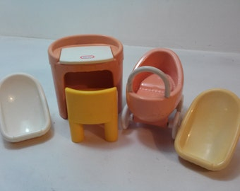 Little Tykes Doll Furniture - 5 pieces!