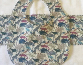 Liberty *Zoo (blue): bib & burp cloth set