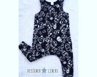 Skulls, Black and White, Harem Romper, Skulls Romper, Grunge, Boy Clothes, Girl Clothes, Baby Boy Romper, Baby Girl Romper, Baby Shower Gift