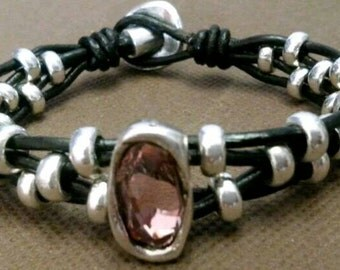 The 00 one of 50 style bracelet leather Crystal pink and beads 02 zamak