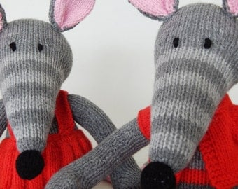 BIBI & BASIL, hand knitted ratties, knitted toy, handknitted rats, knitted farm animal, knitted childers soft toy, knitted rats, knit mouse