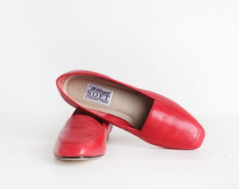 Size 7.5 Women's Red Leather Loafers