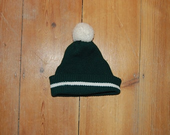 vintage original 70s kids bobble hat in racing green 0-6 yrs deadstock football soccer knit bright colours autumn winter vtg original