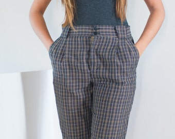Plaid Capri Pants / Size 10 Womens / Navy, Gold, Yellow and White Plaid