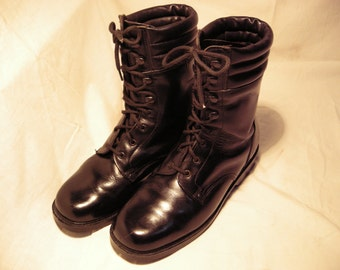 Vintage 1990's Bulgarian Army Black Leather Boots