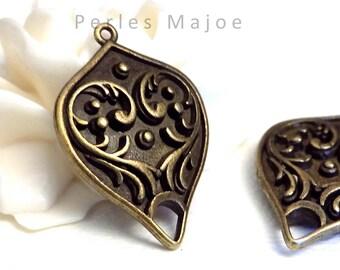 connecteur en métal forme goutte décor coeur couleur bronze antique 30x21x6 mm