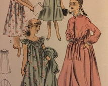 """VTG 6581 Advance (1940s) girl's robe and nightgown.  Size 12, Breast 30"""".  Complete, unused, FF. Excellent condition."""