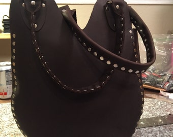 Stone oiled leather tote
