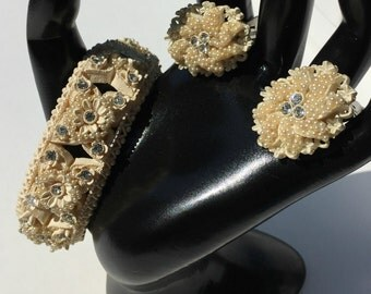Celluloid Bracelet and Earrings 1950s Featherweights Wedding Cake
