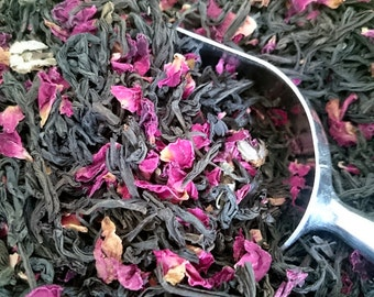 Hint of Rose: Organic Tea Blend