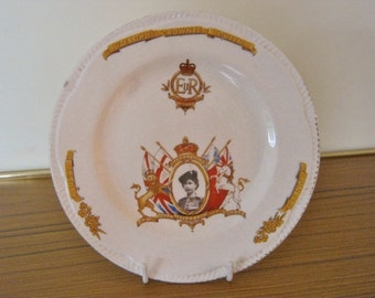 Splendid Vintage Crowned Queen, Elizabeth Commemorative Plate 1953