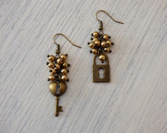 Lock and Key Earrings AR020