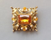 Gold & Topaz Brooch/Filagree and Faux Pearls/ Costume Jewellery - Vintage