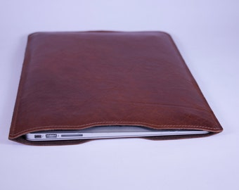"DORNEY Premium Leather and Suede-Lined Macbook Air Laptop Sleeve 13"" - Tan Brown Aged Leather"