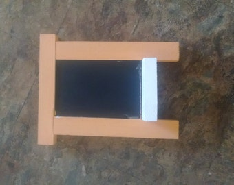 Miniature chalkboard, wall mountable