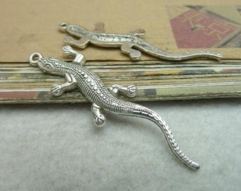 20 Lizard Charms Antique Silver Tone