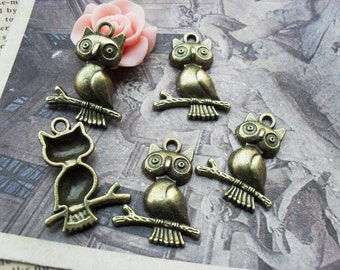 10 Owl Charms Antique Bronze Tone - WS935