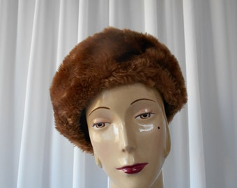 Vintage Faux Fur Beret Style Hat Chocolate Brown 1960's  #20011