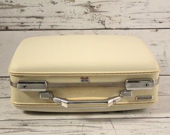 Vintage American Tourister Beige / Off White Travel Carry-On Suitcase Hard Luggage Textured With Pink Flowers Floral Fabric Interior Chrome