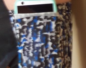 Cell phone running armband, Arm band, Fitness armband, jogging armband, Iphone, Ipod, Samsung Galaxy ( size small)