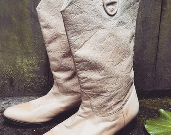 1960s cowboy boots cream leather size 6 6 1/2