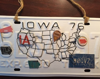 License plate art, state of Iowa, Hawkeye state, USA art, vintage year of 1976