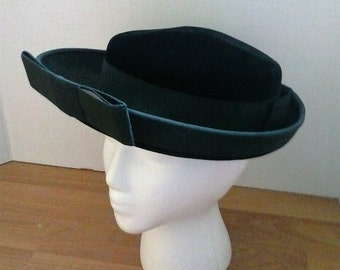 Ladies Wide Brim Hat//Formal Black Velvet//Grosgrain Ribbon Bow