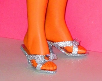 Tiffany Taylor shoes SILVER shoes  TIFFANY Taylor, Magic Hair Crissy doll Clothing & Accessories