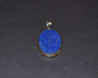 Lapis lazuli and 925 Sterling Silver oval shaped pendant