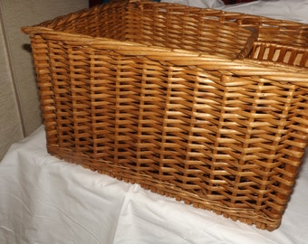 Wicker basket - 4 compartments