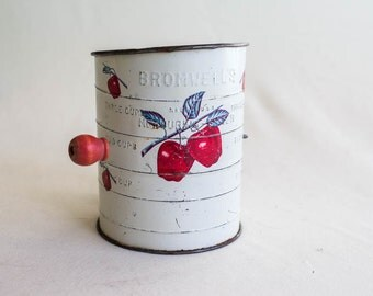 Vintage flour sifter, apple flour sifter, antique flour sifter, farmhouse decor, farmhouse style