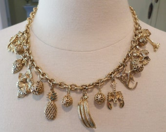 Vintage Gold Tone Heavy Charming Necklace.