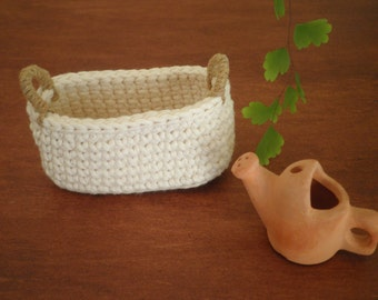 Small Oval Crochet Basket with Handles, Country Home Decor, Natural Colors, Miniature Basket, Cotton & Jute, Storage Basket, Gift for Women